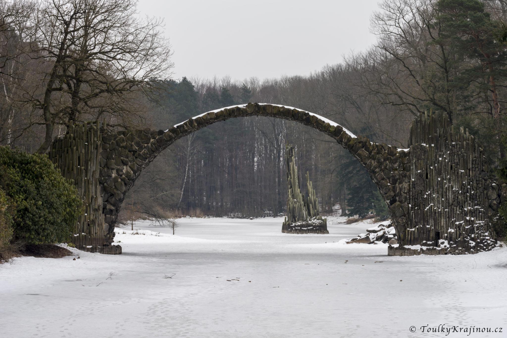 Rakotzbrücke (Ďáblův most)